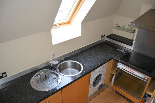 Kitchen of Thorncliffe Street, Lindley, Huddersfield HD3