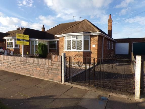 Thumbnail Bungalow for sale in Verdale Avenue, Thurmaston, Leicester, Leicestershire