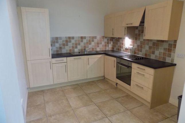 Kitchen of Ingrow Lane, Keighley BD21