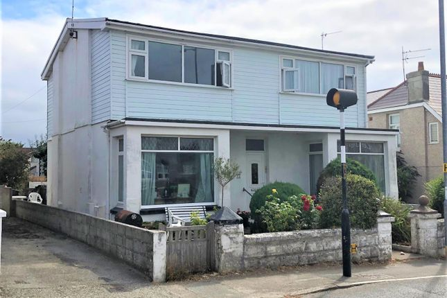 Thumbnail Flat for sale in Edgcumbe Avenue, Newquay, Cornwall