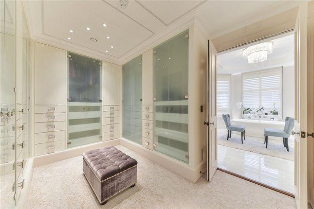 Dressing Room of Upper Phillimore Gardens, Kensington, London W8