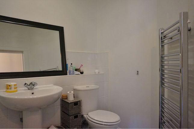 Bathroom of Commercial Street, Dundee DD1