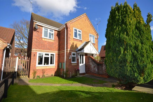 Thumbnail Property for sale in Old Market Close, Acle, Norwich