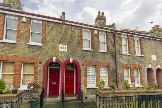 Thumbnail Property for sale in Perch Street, London