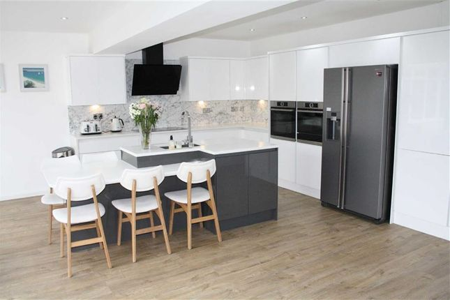 Thumbnail Detached house for sale in Hawthorn Close, Kirby Muxloe, Leicester
