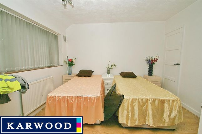 Terraced house to rent in Snowdon Crescent, Hayes
