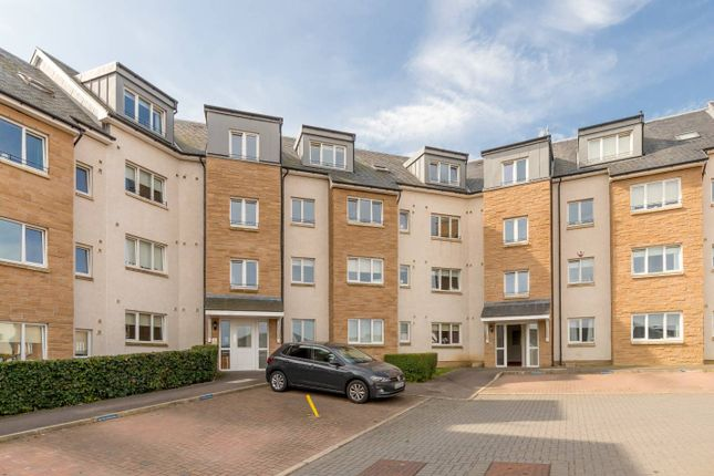 Thumbnail Flat for sale in 20E South Chesters Gardens, Bonnyrigg