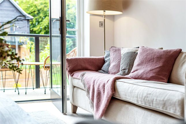 2 bed flat for sale in Kirkeby Court, Awbridge, Romsey, Hampshire SO51