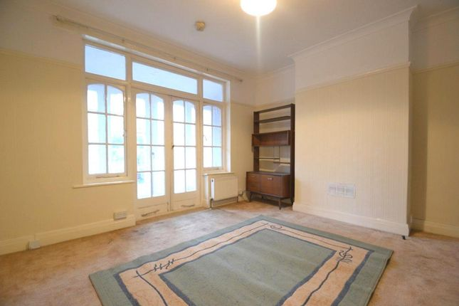 5 bed semi-detached house to rent in Cleveland Road, London