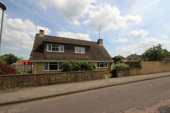 Thumbnail Property for sale in Minster Way, Chippenham
