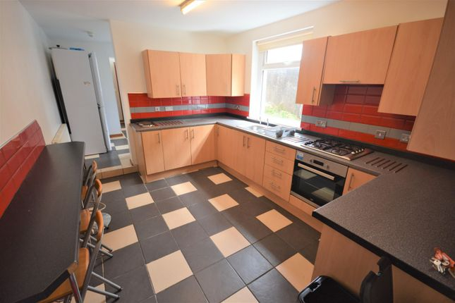 Thumbnail Property to rent in Gore Terrace, Mount Pleasant, Swansea
