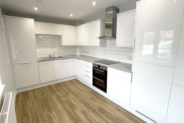 Thumbnail Flat to rent in Goldcroft, Yeovil, Somerset