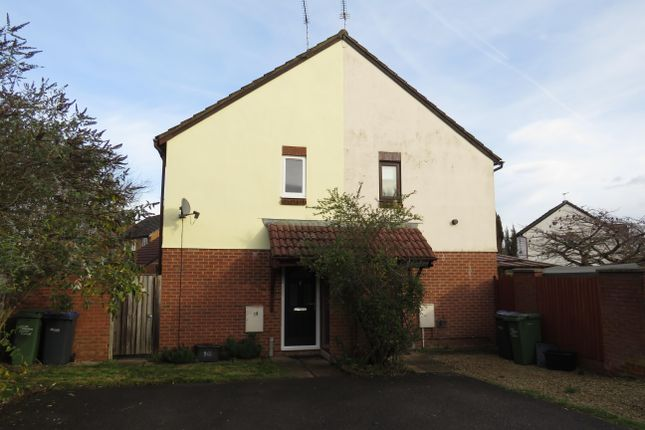 Thumbnail Property to rent in Warwick Close, Chippenham