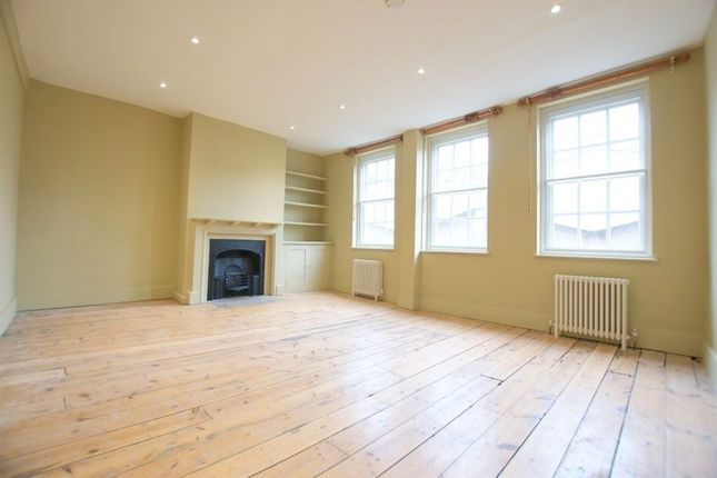 Thumbnail Flat to rent in Hanbury Street E1, London,