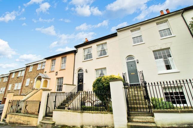 3 bed terraced house to rent in Constitution Hill, Gravesend DA12
