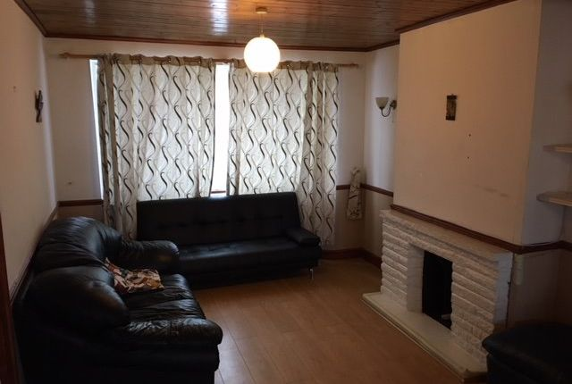 Thumbnail Flat to rent in Mandeville Road, Northolt