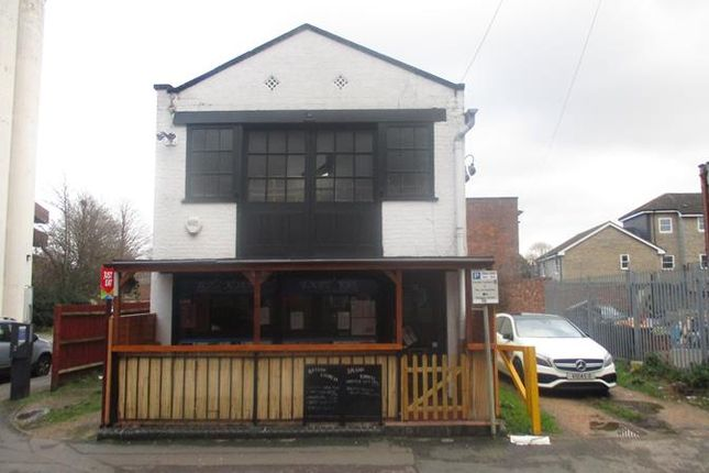 Thumbnail Restaurant/cafe to let in 18 Manor Road, 18 Manor Road, 5 Peel Street, Bedford, Bedfordshire