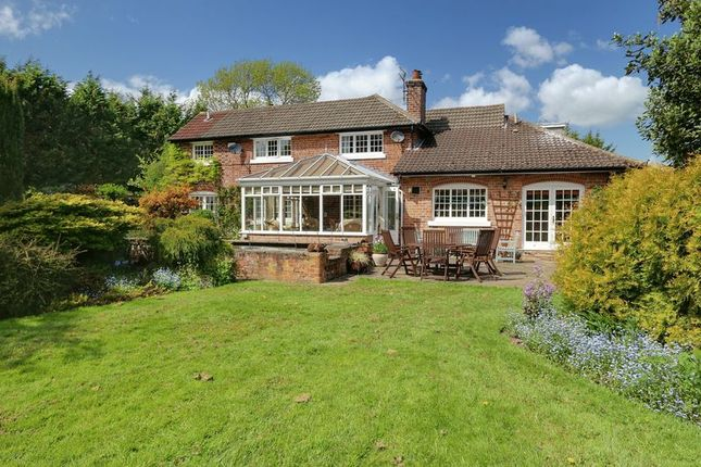Thumbnail Detached house for sale in Main Road, Wyton, Hull