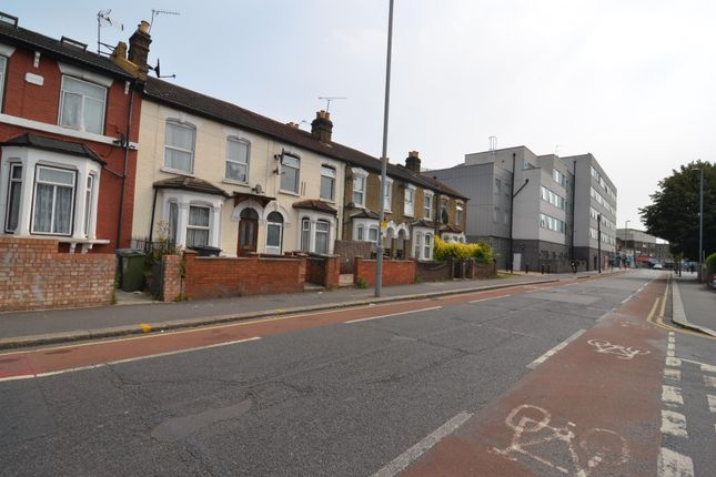 Thumbnail Terraced house to rent in Grange Park Road, London