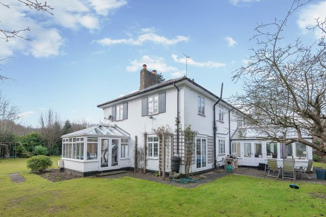 Thumbnail Detached house to rent in Long Bottom Lane, Seer Green, Beaconsfield