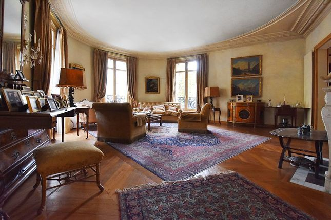 3 bed apartment for sale in Paris, Paris, France