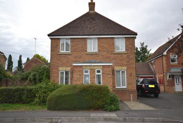 Thumbnail Property to rent in Tamar Way, Didcot, Oxfordshire
