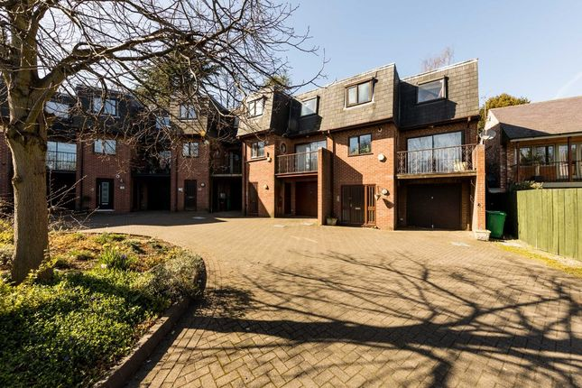 Thumbnail Town house for sale in Kenilworth Court, The Park