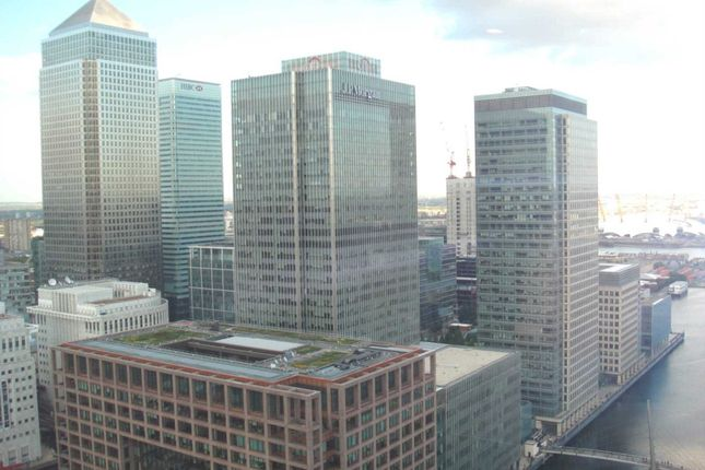 Thumbnail Flat to rent in Landmark East Tower, Marsh Wall, Canary Wharf
