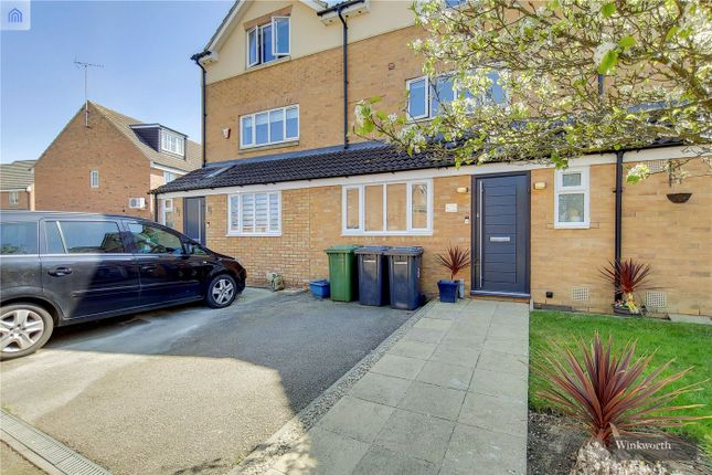 Thumbnail Terraced house for sale in Chaucer Grove, Borehamwood, Hertfordshire