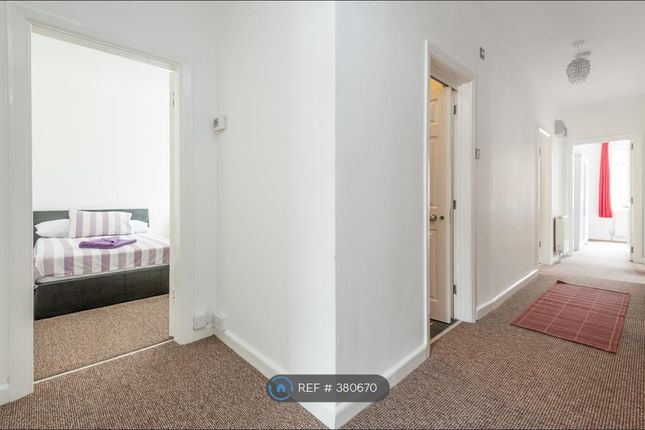 Thumbnail Flat to rent in Ealing, London