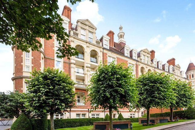 Thumbnail Flat for sale in Gainsborough House, Frognal Rise, Hampstead, London