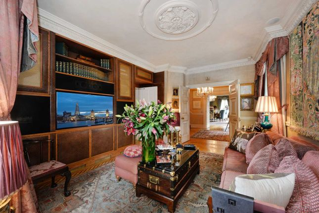 Thumbnail Town house for sale in Wilton Crescent, London