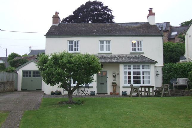 5 bed detached house to rent in Lower Cleave, Northam, Bideford