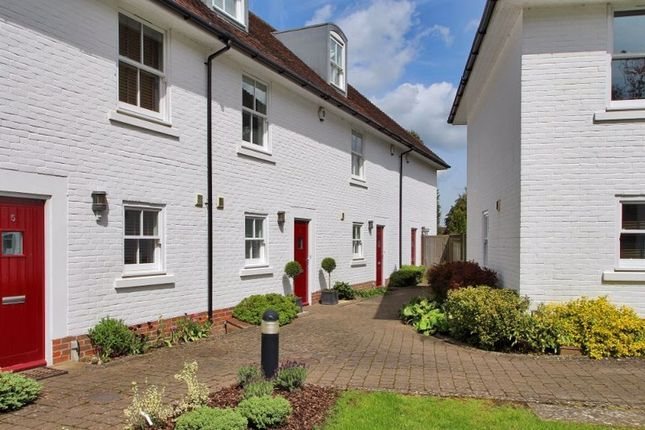 Thumbnail Town house to rent in Buckwell Place, Sevenoaks