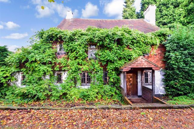 Thumbnail Detached house for sale in Brook Lane, Faygate, West Sussex