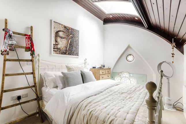 Thumbnail Flat for sale in Mundania Road, East Dulwich