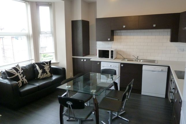 Flat to rent in Derby Road, Fallowfield, Manchester
