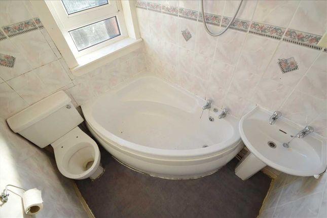 Bathroom of Springwell Crescent, Blantyre, Glasgow G72