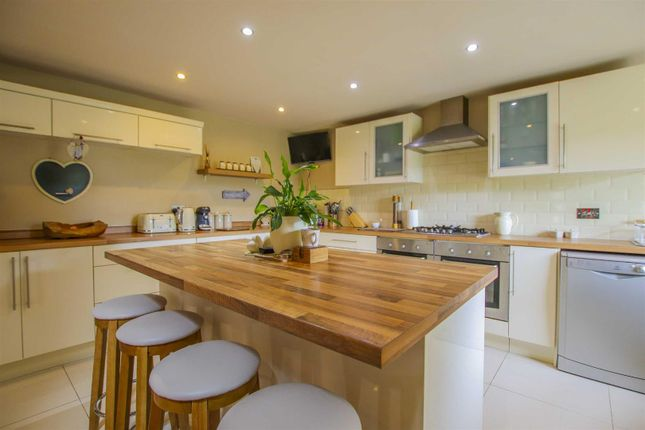 3 bed detached house for sale in Blackburn Road, Rising Bridge, Rossendale BB5