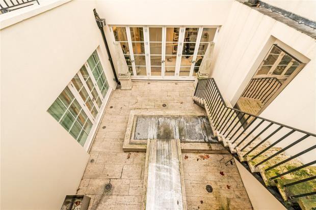 Courtyard of Park Lane, Mayfair, London W1K