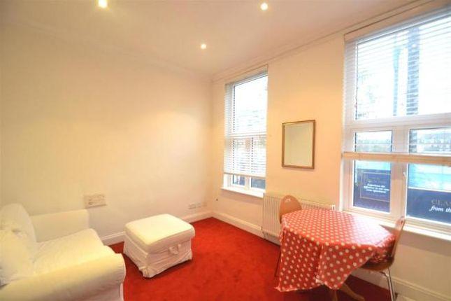 Thumbnail Flat to rent in Warwick Road, London