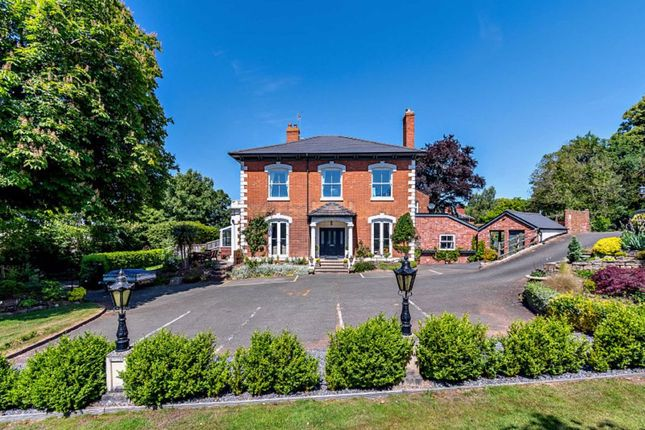 Thumbnail Town house for sale in Southbank Road, Hereford