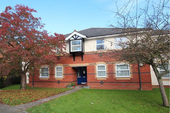 2 bed flat to rent in Wilson Road, Reading