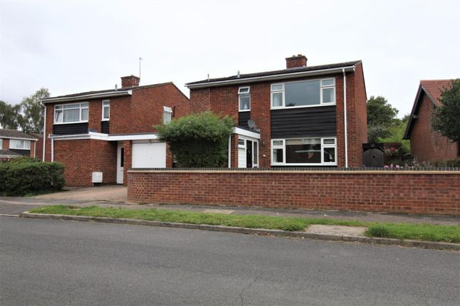 Thumbnail Property for sale in Lychmead, Clifton, Shefford
