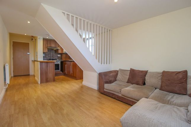 1 bed flat to rent in Monthermer Rd, Roath, Cardiff CF24