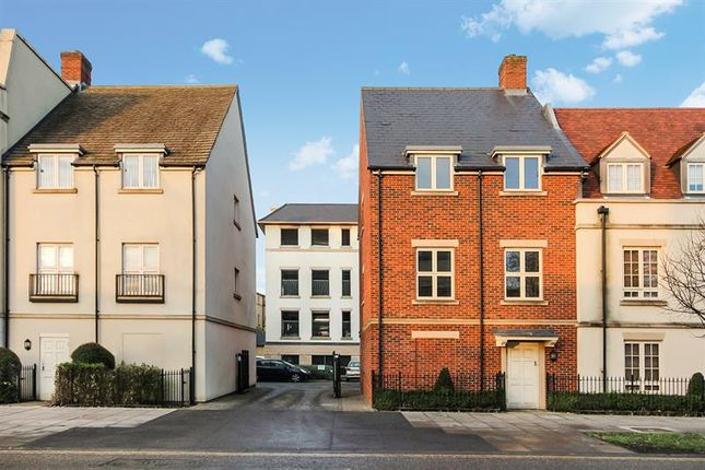 2 bed flat for sale in Welch Way, Witney