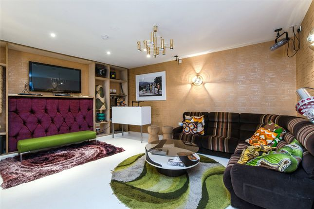Reception of Courthope Road, Wimbledon, London SW19