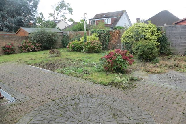 Thumbnail Room to rent in Bourne Avenue, South Ruislip