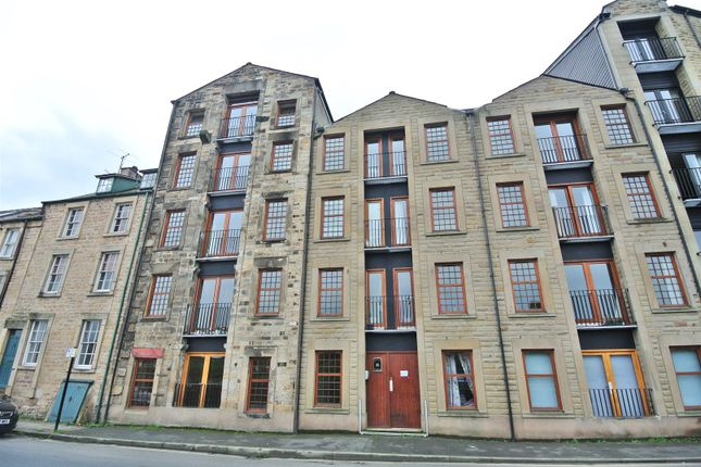 Thumbnail Flat to rent in St. Georges Quay, Lancaster