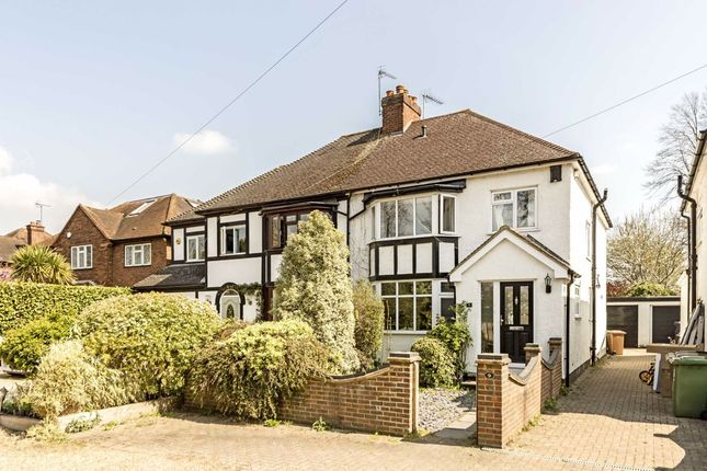 4 bed property to rent in Manor Drive, Sunbury-On-Thames TW16